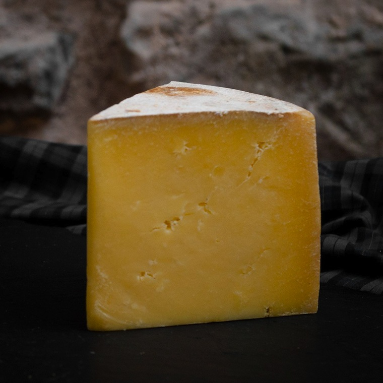 scottish cheese cheeses got milk ayrshire try quality hard scotsusa scotland traditional ve dairy hand tart