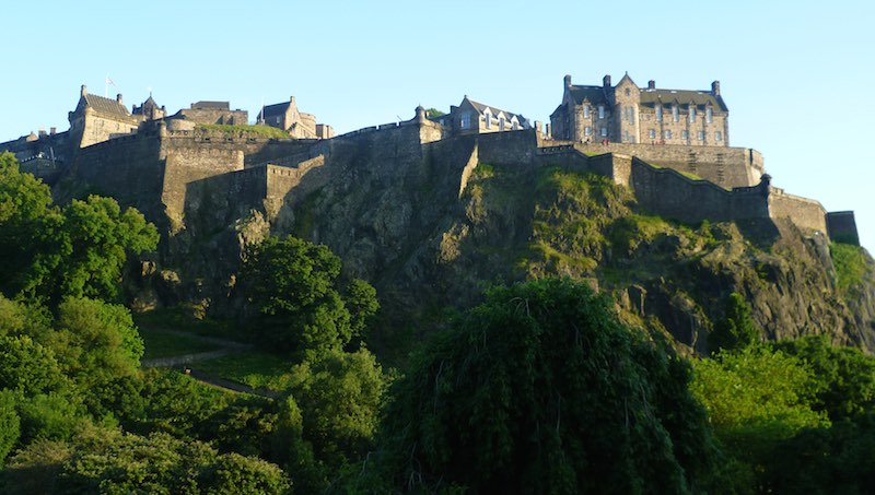 Edinburgh_Castle_from_the_North